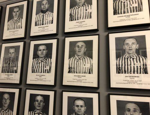 Auschwitz ja Birkenau -silmät auki päivän viiveellä